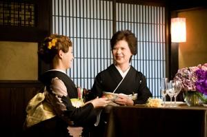 手まり寿司サーブ
